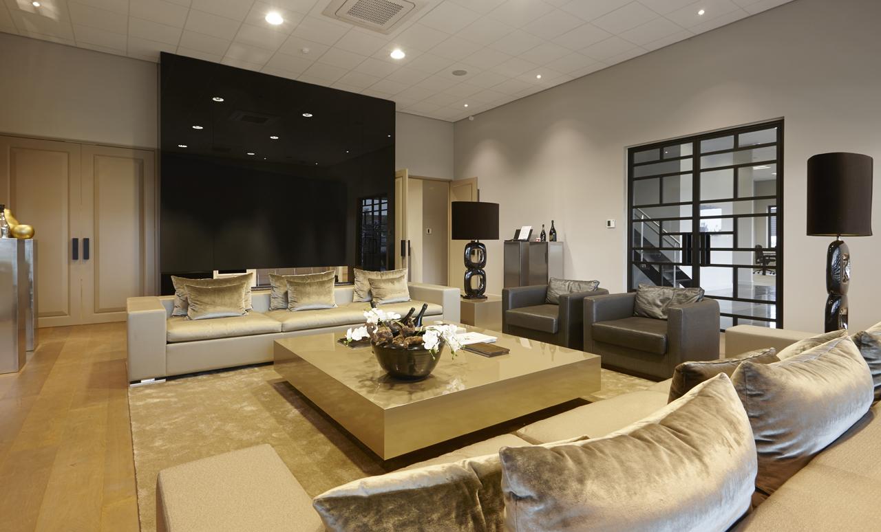 Eric-Kuster-Luxury-Lounge-Buspro-02